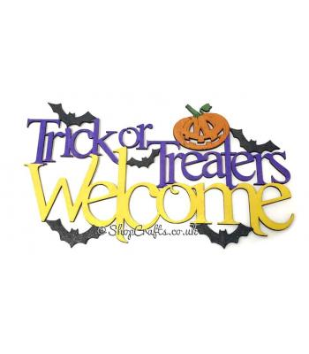 """Trick or Treaters Welcome"" Halloween sign."